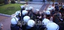 ΦΩΤΟ-ρεπορτάζ από την συγκέντρωση διαμαρτυρίας έξω από το Υπουργείο Διοικητικής Μεταρρύθμισης 28/2/2014